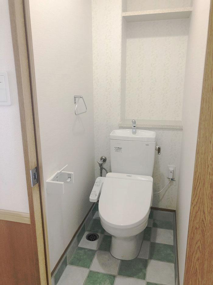 トイレ壁紙素敵に大変身