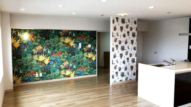 花柄の壁紙
